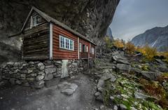 Helleren, Jøssingfjord - VJ3_1557 copy (Viggo Johansen) Tags: helleren jøssingfjord houses oldhouses mountains rocks autumn fall rogaland