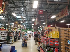 Orchard Supply Hardware Store Closing (Naples, FL) (teamretro942) Tags: orchard supply hardware store closing naples florida