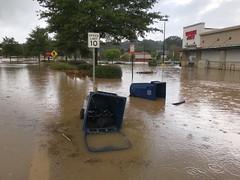 Tropical depression Florence flooding in Chapel Hill. (Juliana Longiotti) Tags: water hurricane nc northcarolina chapelhillnc shoppingcenterflooding flooding tropicaldepressionflorence tropicaldepressionflorenceflooding