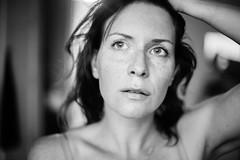 27/09/2018 - I fight with my brain to believe my eyes (elsvo) Tags: selfportrait closeup monochrom monochrome portrait woman