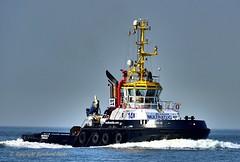 Multratug 14 (Bernhard Fuchs) Tags: boat cuxhaven hafenschlepper elbe hochseeschlepper nikon schiffe schlepper ship ships tug vessel water boot schiff wasser