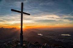 Sonnuntergang am Säuling (stefangruber82) Tags: alpen alps tirol tyrol sunset cross summitcross gipfelkreuz kreuz red rot orange sonnenuntergang sunray sonnenstrahlen