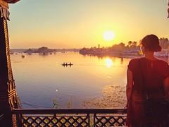 Them and us....where (La vita e bella; la vita e amore) Tags: indianculture kashmir light fromsunsetstosunrises sunset art painting india dallake srinagar