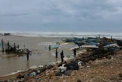 إعصار لُبان يقترب أكثر من سواحل المهرة.. والسلطة المحلية تقدم إرشادت (nashwannews) Tags: المهرة اليمن حضرموت سقطرى