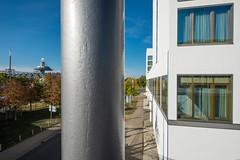 Laatzen (mal wieder) (duesentrieb) Tags: architecture architektur cityscape column deutschland germany laatzen lowersaxony niedersachsen stadtlandschaft säule hannover