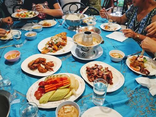 2028/20/20 Lunch at Hua Hin