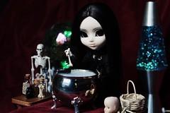 (hauntiing) Tags: pullip pullips doll dolls toy toys neo noir goth gothic neonoir pullipneonoir gothdoll gothpullip witch witchpullip halloween pullipdoll pullipphotography dollphotography toyphotography