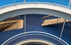 Library 2 (genf) Tags: delft tu technical university technische universiteit library bibliotheek koepel trap trappen stairs blue blauw bruin brown circles curves cirkels curven dome sony a99ii indoor binnen