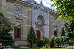 10082011-IMGP1073 (Mario Lazzarini.) Tags: moschea selimiye sinan portale arco alberi fiori finestre turchia turkey architettura historic old camii