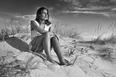 Candela en Zahara bn II (Joaquín Mª Crespo) Tags: byn blackwhite bw blancoynegro blackandwhite monocromo retrato portrait beach dunas cadiz zaharadelosatunes leica leicam9 girl sunset twilight bestportraitsaoi