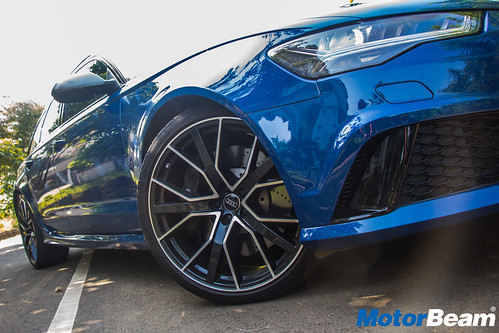Audi-RS6-Avant-Performance-11