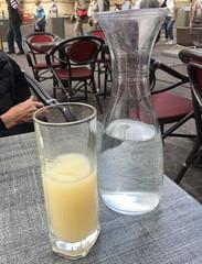Prendre un p'tit Apéro (schreibtnix on 'n off) Tags: reisen travelling frankreich france normandie stadt town rouen getränk drink pastis prendreunptitapéro appleiphone6plus schreibtnix