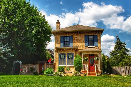 Paris Ontario - Canada - Grand River Street North - Architecture Italianate