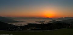 Sonnenaufgang Rechberg 141018 (Bikerwolferl) Tags: landschaft himmel anhöhe landschaftspanorama morgen morgendämmerung schönheitdernatur ländlichesmotiv sonne sonnenlicht nature sunset landscape sky hill scenics outdoors morning beautyinnature dusk sun sunlight nebel