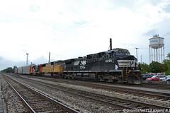 NS 9238 GE D9-44CW (Trucks, Buses, & Trains by granitefan713) Tags: train locomotive railroad railfan gelocomotive ge generalelectric dash9 gec449w ged944cw up cn illinios racktrain autorack racks