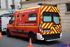 BSPP (rescue3000) Tags: renault master brigade sapeurspompiers paris bspp sapeurs pompiers sapeur sapeurpompier pompier fire 2e groupement incendie 11e compagnie 1ère caserne sévigné 2nd group 11th company 1st station véhicule secours assistance victimes vsav vehicle rescue victims gifa vsav164 164 army armée terre militaire military voiture camion firefighters ground