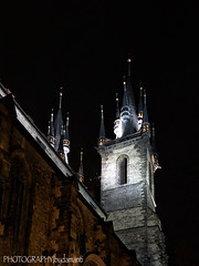 CHURCH OF OUR LADY BEFORE TYN (PHOTOGRAPHY|bydamanti) Tags: prague czechrepublic cz nightshot iphonex europe churchofourladybeforetyn church oldtownsquare