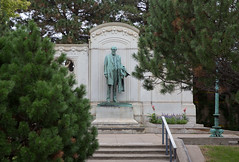 The 1915 Thomas Lowry bronze statue and memorial at Smith Triang (thstrand) Tags: 1880s 1890s 1915 19thcentury 20thcentury adultmale american americans art arts artwork bronzestatue businessman civic corroded corrosion culturalheritage fulllength historicperson history karlbitter lawyer lowryhill mn man memorial memorials midwest midwestern minneapolis minneapolisstreetrailwaycompany minnesota monument monuments nobody old outdoors outside parks portraits publicart realestatedeveloper sculpture smithtrianglepark soolinerailroad statues tcrt thomaslowry twincities twincityrapidtransit us usa unitedstatesofamerica urban vintage visualarts