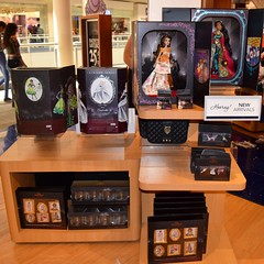 Disney Designer Collection Premiere Series - Merchandise Display - Wide View #1 (drj1828) Tags: disneystore disneydesignercollection premiereseries storedisplay 2018 jasmine belle merchandise doll limitededition