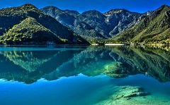 Lago di Ledro (giannipiras555) Tags: riflessi trentino panorama landscape natura colori spiaggia