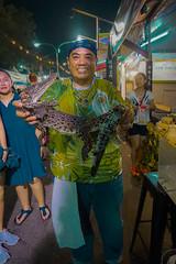 It you eat crocodile, crocodile eat you (Luis L.Modrego) Tags: comidayalimentos alimentación alimentation alimentos comidacallejera dishes eating food foodcourt platos recetas streetfood sarawak malasia malaysia malaisie borneo crocodile smiling kuching fav5