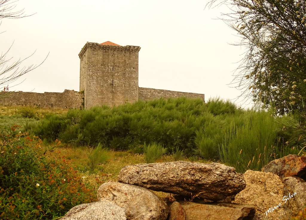 Águas Frias (Chaves) - ... castelo de Monforte de Rio Livre (monumento nacional) ...