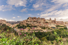 DSC_1559 (ghismou1981bo) Tags: ragusaibla sicily landscape cityscape oldtown italy nikon widelens samyang 14mm sky clouds