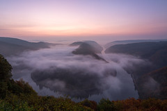 Saarschleife im Sonnenaufgang-8941 (Holger Losekann) Tags: deutschland germany landscape landschaft mist nebel saarland saarschleife sonnenaufgang sunrise