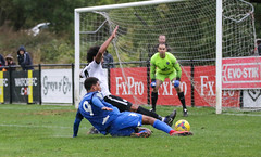 Kings Langley 1 Lewes 1 FAC 22 09 2018-493.jpg (jamesboyes) Tags: lewes kingslangley football nonleague soccer fussball calcio voetbal amateur facup tackle pitch canon 70d dslr