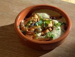 Mussels with White Wine Cream and Garlic (Tony Worrall) Tags: add tag ©2018tonyworrall images photos photograff things uk england food foodie grub eat eaten taste tasty cook cooked iatethis foodporn foodpictures picturesoffood dish dishes menu plate plated made ingrediants nice flavour foodophile x yummy make tasted meal nutritional freshtaste foodstuff cuisine nourishment nutriments provisions ration refreshment store sustenance fare foodstuffs meals snacks bites chow cookery diet eatable fodder mussels with white wine cream garlic bowl seafood