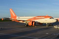 Easyjet Airbus A319-111 OE-LQF (Charles Dawson) Tags: bristolairport aircraft airbus oelqf easyjet airbusa319