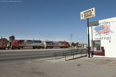 The BNSF El Paso Road Switcher leaving El Paso City Limits (Travis Berryman) Tags: elpasosub atsf elpaso westtexas desertrailroading