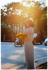 20181008-000048 (jamessybui) Tags: vietnam woman leica m3 m fall summer aodai hanoi potrair elmar 50mm f28 chandung backlighting ektar kodak