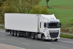 DX17 ZRP (Martin's Online Photography) Tags: daf xf truck wagon lorry vehicle m6 highlegh cheshire nikon nikond7200