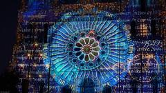 July 2018 - Chartres en Lumières (❥    Kelalin) Tags: mosaïque mosaic personnes people géométrique geometrical