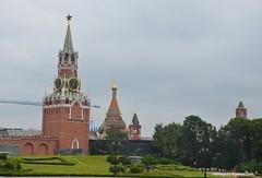 Kremlin Clock (hamid-golpesar) Tags: kremlinclock redsquare red stbasil stbasilscathedral kremlinchimes tower clock moscowclocktower moscow moskva russia owaysee outdoor tabriz travel iran hamid hamidowaysee hamidgolpesar