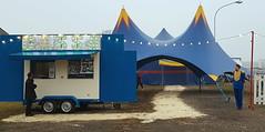 Piccolo Circo (Aellevì) Tags: circo attesa spettacolo cassa tendone blu punte