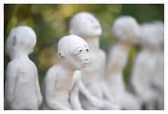 Blue eyes (leo.roos) Tags: lutbrackx ceramicartist ceramicart ceramics beeldendkunstenaar clay klei art sculpture beeld atelierdetest zuidzande a7rii iscogöttingenduotar8515 projectorlens projectionlens darosa leoroos zeeuwsvlaanderenoktober2018