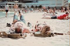 Siesta cualquiera contigo (orryo.kk) Tags: beachlife vscox summer beach mediterranean nikon film kodak200 kodak summerviews siesta