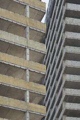 20180614-DSC4400 (A/D-Wandler) Tags: offenbach deutschland kaiserlei hochhaus architektur gebäude abbruch skelett beton linien geometrisch kwuhochhäuser abriss fenster brüstung stützen detail