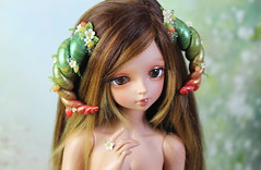 strawberry horn commission (Sparrow ♪) Tags: bjd horns strawberry strawberries green red pearls leaves vines msd minife minifee rin tan
