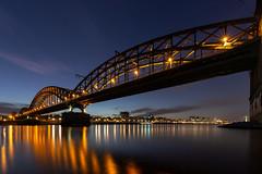 Die Südbrücke zur blauen Stunde (Jörgenshaus) Tags: nrw rheinland rhein köln südbrücke blauestunde