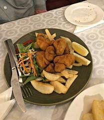 2018 Sydney: Lunch @Diethnes Greek Restaurant (dominotic) Tags: 2018 food restaurant lunch diethnesgreekrestaurant panfriedcrumbedlambsbrainswithchipsandsalad yᑌᗰᗰy foodphotography iphone8 sydney australia