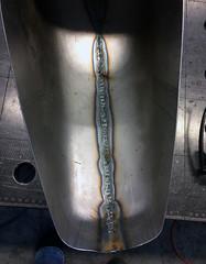 2018-07-25 Tank geschweißt Innenseite (H2O74) Tags: bobber fahrrad rad bike bikes ebike pedelec tank tankschale motorradtank h2o h2o74 germany madeingermany handmade selbst bebaut gemacht eigenbau selbstbau stahl steel metall schweisen geschweist weld welding welder geschnitten getrennt zusammengeschweist