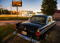 At the carhop (sniggie) Tags: ford overdrive sonic tricountycarclub classicautomobile classiccar drivein car road us68 usroute68
