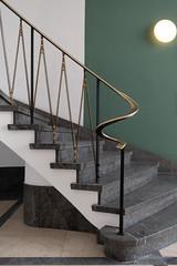 Staircase (Frank Guschmann) Tags: treppe treppenhaus staircase stairwell escaliers stairs stufen steps frankguschmann nikond500 d500 nikon