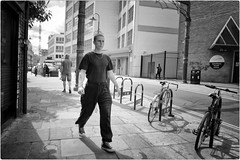 Point and Shoot (Steve Lundqvist) Tags: portrait persone ritratto street road crossroad streetphotography strada sidewalk english london londra inghilterra england uk britain british life location people lifestyle shooting pose posed leica q
