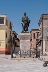 IMGP6739 (Mario Lazzarini.) Tags: statua arte orazio poeta latino venosa
