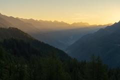 Capanna Piansecco: Sunrise (1/3) (jaeschol) Tags: bedretto capannapiansecco europa europe kantontessin kontinent pianseccohütte sabbatical2018 schweiz suisse switzerland
