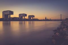 5911 (.niraw) Tags: köln panorama blauestunde langzeitbelichtung kranhäuser rhein rheinauhafen wasser ufer sonnenuntergang grosstmartin kölnerdom severinsbrücke niraw blauerhimmel blau colonius rheinpromenade deutzerbrücke hohenzollernbrücke